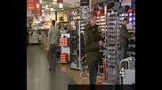 10 неща,  които не би трябвало да правите ако сте охранител в супермаркет