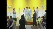 Ето какво става когато пуснем Harlem Shake на сватба !