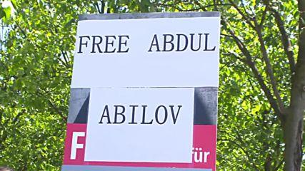Germany: Aliyev's supporters greet Azeri pres. in Berlin ahead of Merkel meeting
