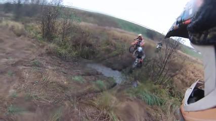 Ненормалници с мотори в гората