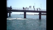 Масов скок от моста в Бургас