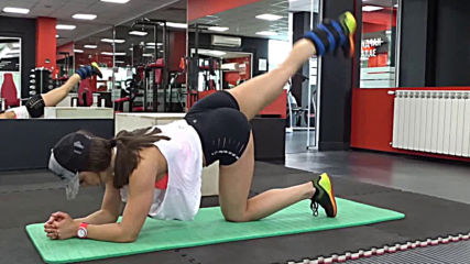 Добриела Иванова - Задна екстензия от лег с изправен крак