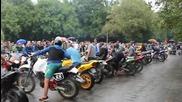 35 мотора на прекъсвач спират дъжда ! - национален Мото Събор на Къмпинг Къпиновски Манастир 2014