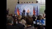 Ангела Меркел търси решени за оставането на Гърция в еврозоната