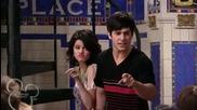 Част от епизода със Селена Гомез и Шакира!! { Високо Качество }