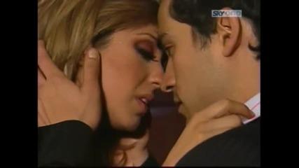 Tu amor -besos Mia y Miguel