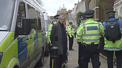 UK: London police arrest anti-lockdown protesters attending illegal music event
