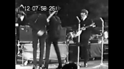 The Beatles - N M E Awards 1964 (1 / 2)