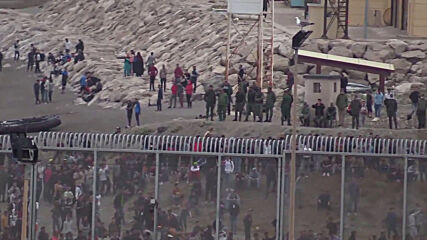 Spain: Army deploys armoured vehicles on the beach following arrival of 5,000 migrants in Ceuta