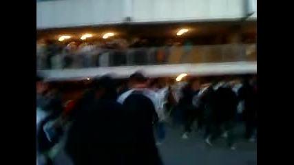 Част от публиката на Локо Пд при влизането и на стадион Васил Левски !