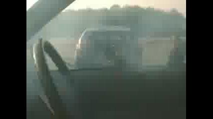 Кола Се Запалва От Реактивен Двигател