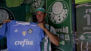 Living Palmeiras: Football fan decorates house inside and out with team merch