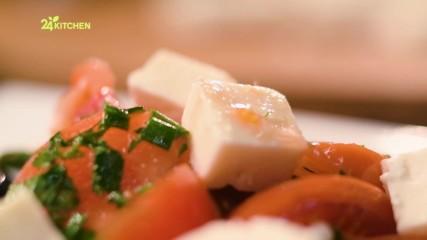 Салата с пържени чушки, домати и нахут