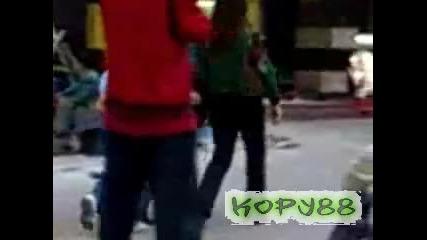 Крадец в действие на улицата