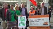 UK: Corbyn joins rally calling for re-nationalisation of railways as train fares rise