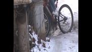 Палене на гуми с колело - на лед