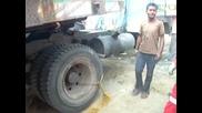Как палят Камион в Западен Бенгал - Индия
