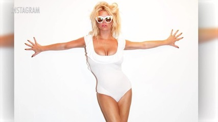 Jessica Simpson Looks JUST Like Pamela Anderson in New Photo