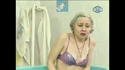 Голи И Смешни - Рибка В Басейн(Скрита Камера)
