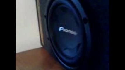 Ackata Pioneer Bass 2