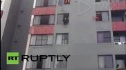 Пожарникар предотврати опит за самоубийство в Бразилия