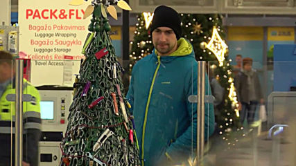 Christmas tree with knives and bullets hits Vilnius airport