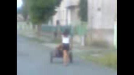 Baba Nikolina ot Lozarevo se vozi