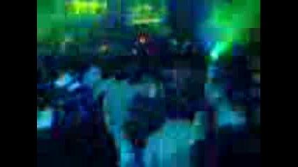 Carl Cox - At The Sound Factory Sofia 2004 - Nokia7650video (2)