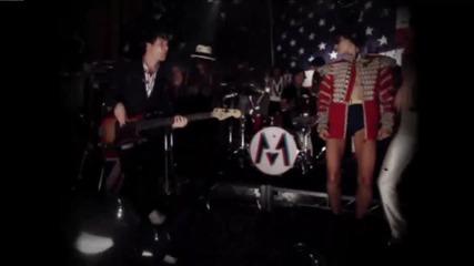 New! Субтитри + Maroon 5 & Christina Aguilera - Moves Like Jagger