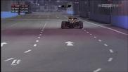 Болид от F1 на ръба на сцеплението по улиците на Сингапур!