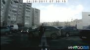 Пазииии жена паркира