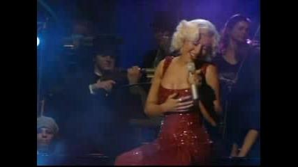 Christina Aguilera - На Живо