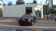 Граждани блокираха част от охраната на Орешарски на кръстовище