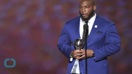 Devon Still's Daughter Leah Still Poses With ESPYs Trophy...
