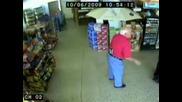Много пиян мъж в супермаркет ! Смях !