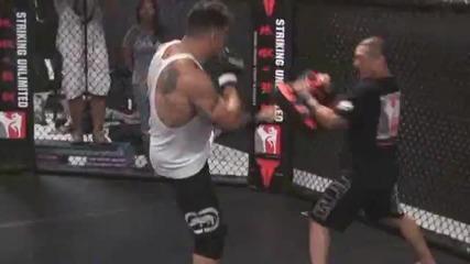 rank Mir тренира за предстоящия си двубой с Brock Lesnar за титлата в тежката категория