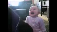 Заразяващ смях на бебета