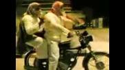 Мотор В Ръцете На Араби - Смях!
