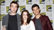 Двойката от Twilight, Robert Pattinson и Kristen Stewart настанени уютно в Comic-con