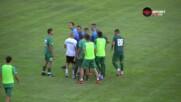 Скандален край на мач във Втора лига