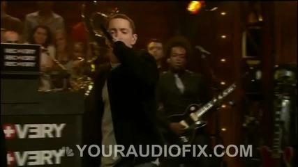 * N E W Live * Eminem - Wont Back Down!!!