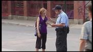Много Смешна Скрита Камера - Soaking Cop Prank