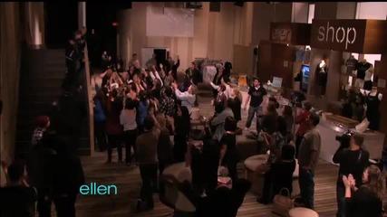 Джъстин танцува дъги пред фенове..