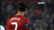 Безсилният Роналдо къса тревата на терена в Зеница