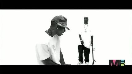 Snoop Dogg feat. Pharrell - Drop It Like Its Hot