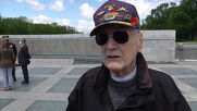 USA: Ceremony commemorates Victory Day at WWII memorial in DC