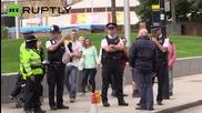Emma Thompson Sticks Greenpeace Petition on Walls of Shell's London HQ