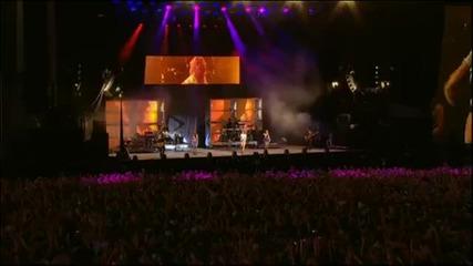Rihanna - Cheers Live @ V Festival