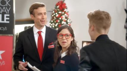 Той те разтопява с поглед ! ! Рекламата на парфюма на Джъстин Girlfriend