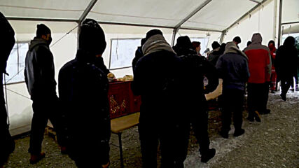 Bosnia and Herzegovina: Migrants given food, heated tents at Lipa camp